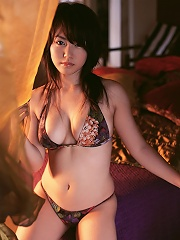Sultry gravure idol works her magic with her big beautiful boobs