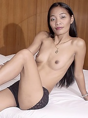 Slim Thai gogo dancer