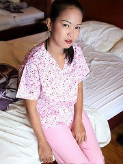 Filthy Asian masseuse gives full service anal happy ending