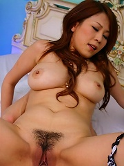 Sexy Asian babe Yuki Aida enjoys afterparty cock in her bedroom